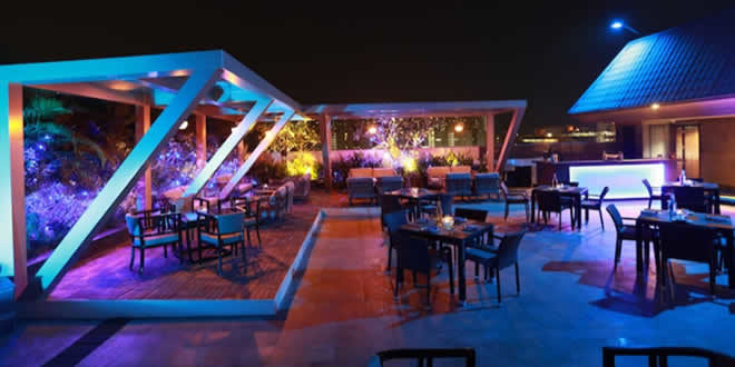 Over The Top: Radisson Blu, Hinjawadi, Pune Asian Restaurant